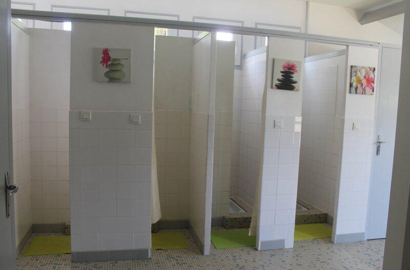 Les douches Centre de séjour Saint-Aignan